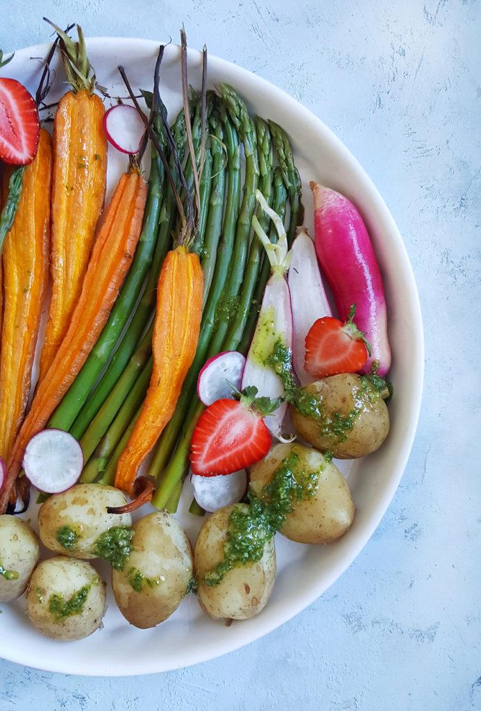 Wiosenne warzywa z pesto