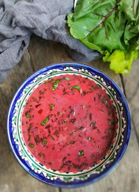Zupa z botwinki z mlekiem kokosowym i chrzanem